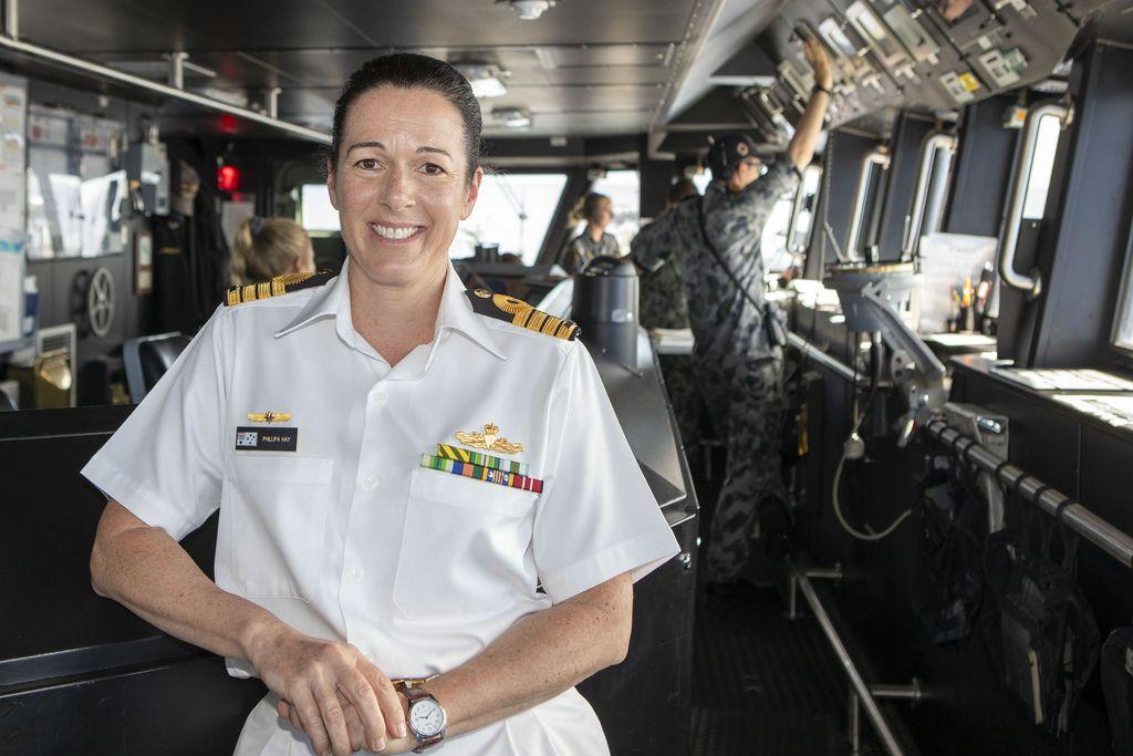 Kapten Philipa Hay merupakan tentara wanita Australia pertama yang memimpin latihan militer Angkatan Laut Australia bersama 10 negara, termasuk Indonesia.
