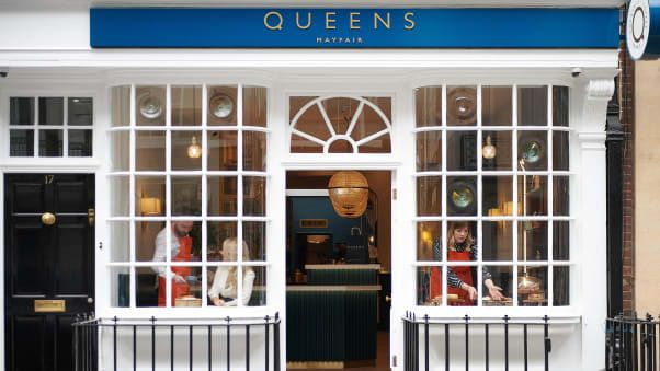 Kopi V60 di Kafe Queens of Mayfair London