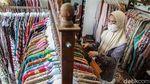 Pandemi Corona Bikin Penjualan Baju Batik Melorot