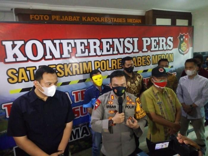 Polisi tetapkan 1 tersangka terkait viral party di kolam renang Sumut (Datuk Haris-detikcom)