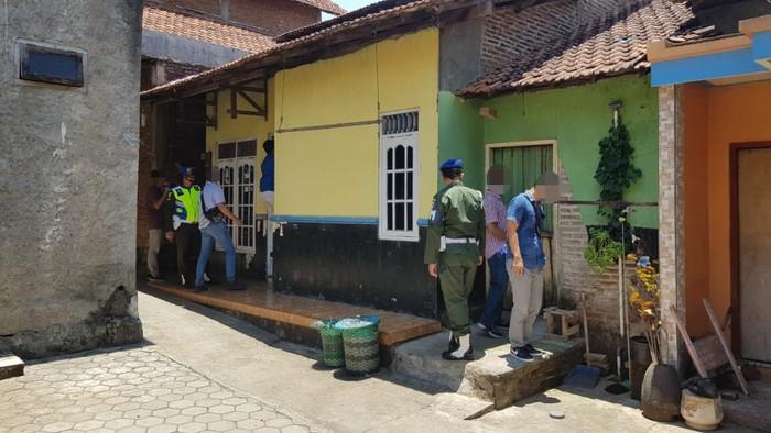 Salah satu rumah penyimpanan rokok ilegal di Jepara
