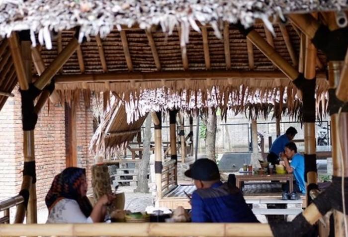 5 Tempat Makan dengan Suasana Asri di Cikarang