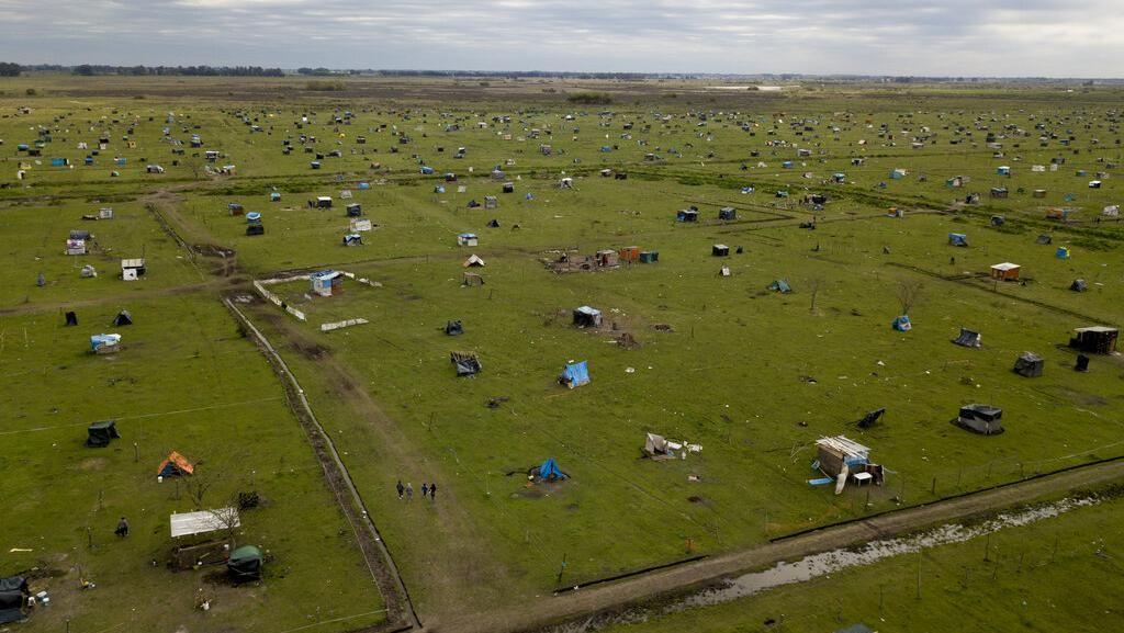 Tunawisma Penuhi Ladang di Argentina Saat Pandemi