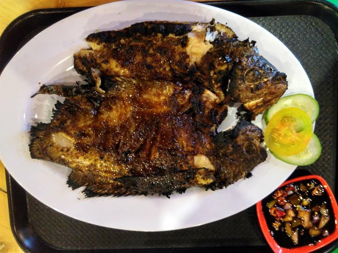 Asyik! Di 5 Warung Makan Ini Bisa Mancing Ikan dan Makan Enak