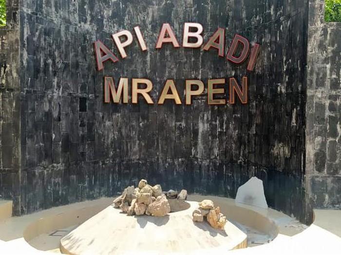 Api Abadi Mrapen yang terletak di Desa Manggarmas, Kecamatan Godong, Grobogan padam. Api Abadi Mrapen itu benar-benar padam pada Jumat (25/9/2020).