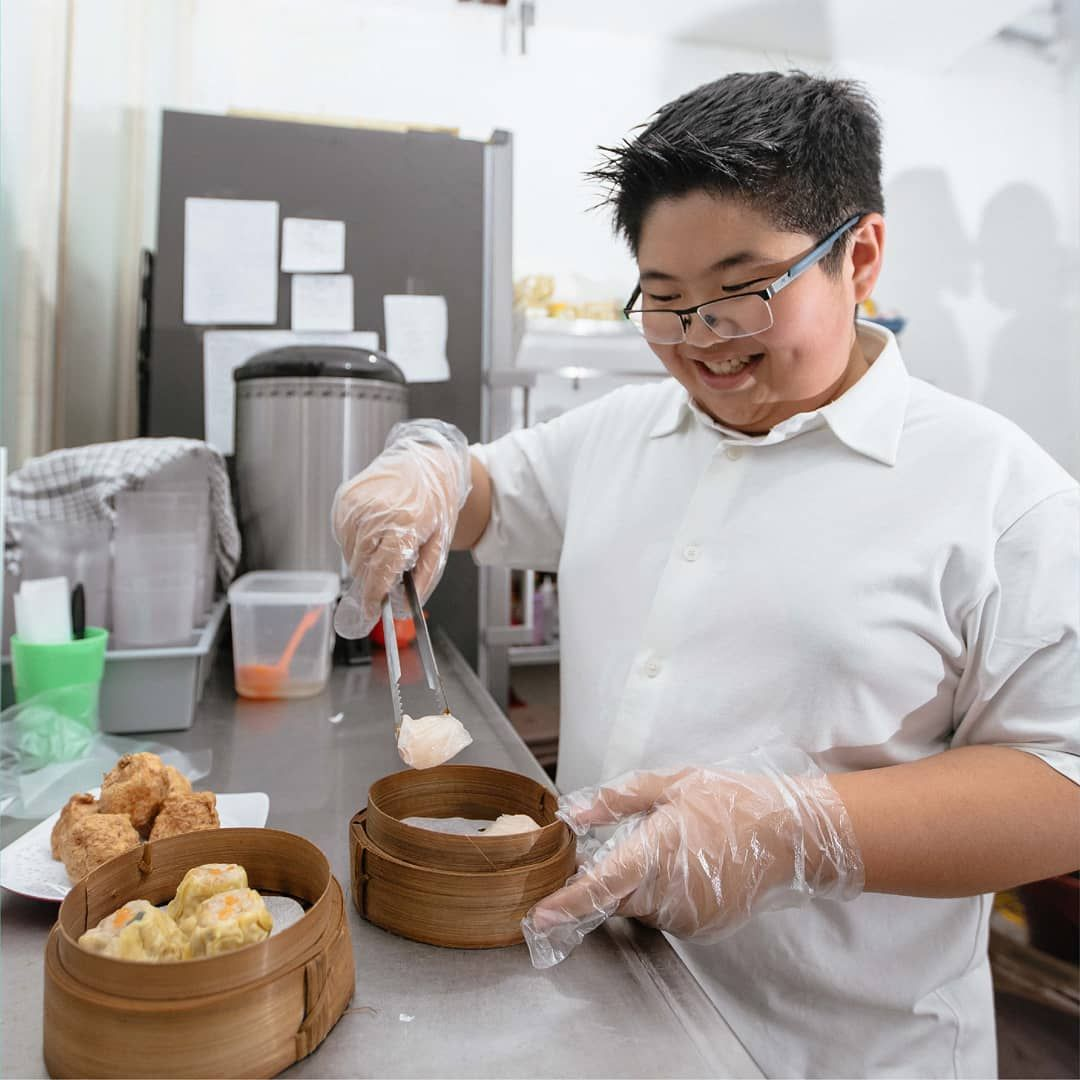 Bocah 13 Tahun Punya Restoran Dimsum Sendiri
