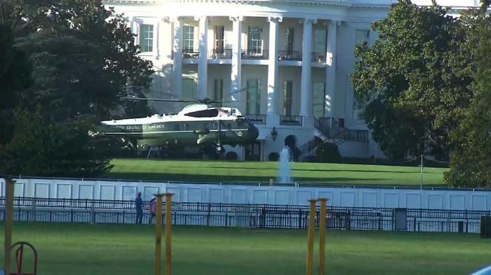 Dijemput Helikopter Kepresidenan, Trump Dipindahkan ke RS Militer Walter Reed