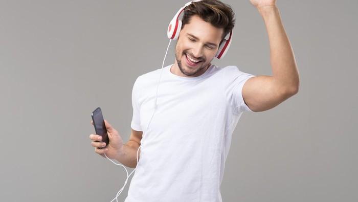Ilustrasi dengarkan musik