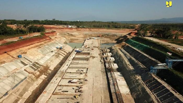 Kementerian Pekerjaan Umum dan Perumahan Rakyat (PUPR) tengah menyelesaikan pembangunan Bendungan Sadawarna untuk memasok air baku sebesar 4.50 m3/detik untuk Kawasan Pelabuhan Patimban dan Pantura Jawa Barat, khususnya Kabupaten Subang, Indramayu, dan Sumedang.