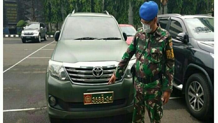 Warga Sipil yang Viral Pakai Mobil Dinas TNI Diperiksa Puspomad, Mobil Disita