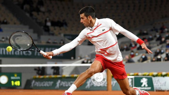 PARIS, FRANCE - OCTOBER 03: Novak Djokovic of Serbia plays a backhand during his Mens Singles third round match against Daniel Elahi Galan of Colombia on day seven of the 2020 French Open at Roland Garros on October 03, 2020 in Paris, France. (Photo by Shaun Botterill/Getty Images)
