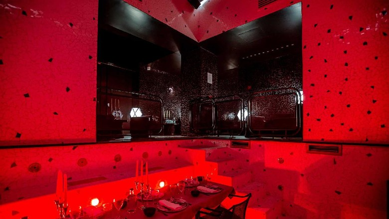 Hotel ubah kolam renang jadi restoran