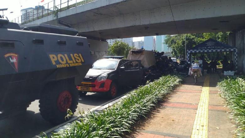 Antisipasi Demo, Polisi Siagakan Baracuda-Water Canon di Sekitar DPR