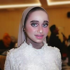 Unggah Foto Hasil Riasan Makeup Baby Doll di Medsos, MUA Ini Panen Hujatan