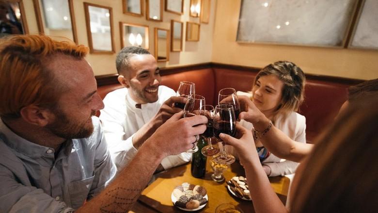 Bar di Paris dinilai paling bandel langgar protokol kesehatan saat pandemi virus Corona