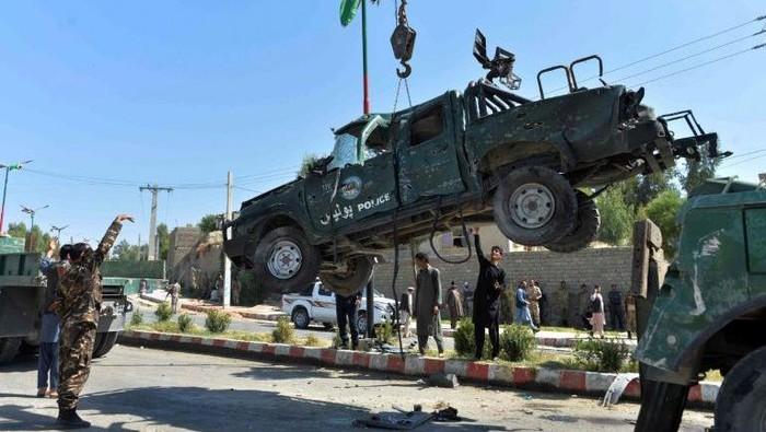 Kendaraan pelaku bom bunuh diri di Afghanistan (AFP Photo)