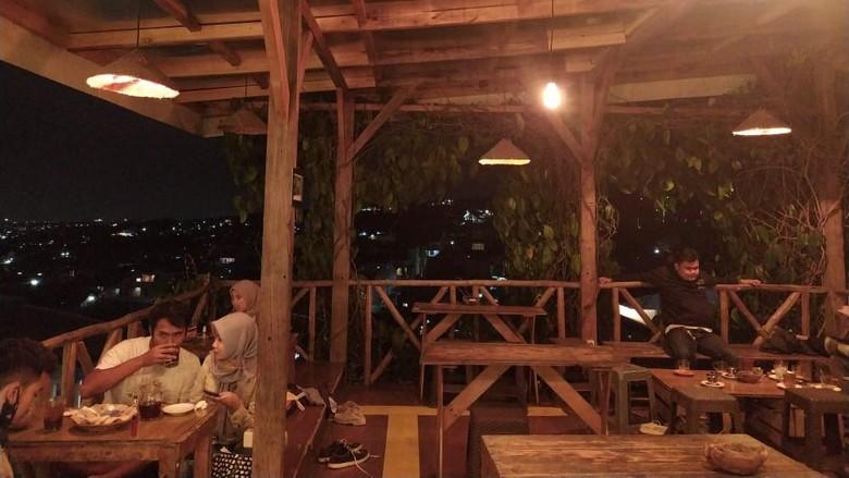 Kedai Kopi Kiwari di Bandung
