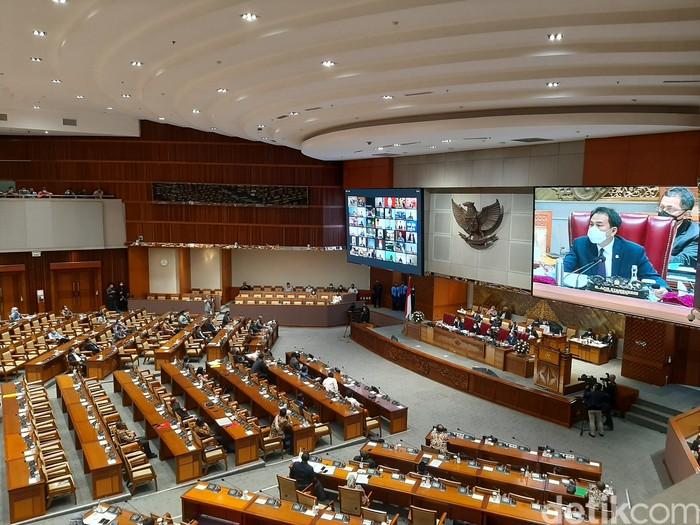 Paripurna pengesahan omnibus law RUU Cipta Kerja (Azizah/detikcom).