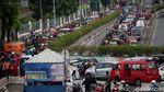 Kawasan Pasar Minggu Padat Merayap Saat Jakarta PSBB Ketat