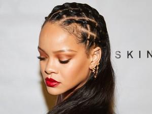 Polemik Fashion Show Lingerie Pakai Lagu Berisi Hadis, Rihanna Minta Maaf