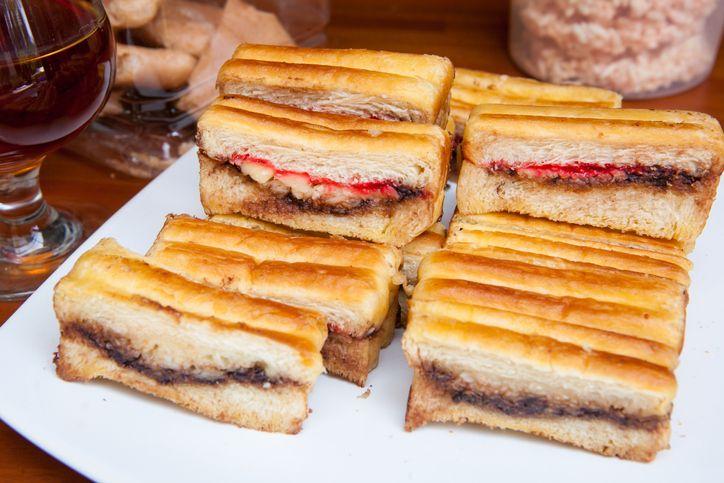 Krenyes Enak Roti Bakar Berawal dari Menyelamatkan Roti  Agar Tak Basi