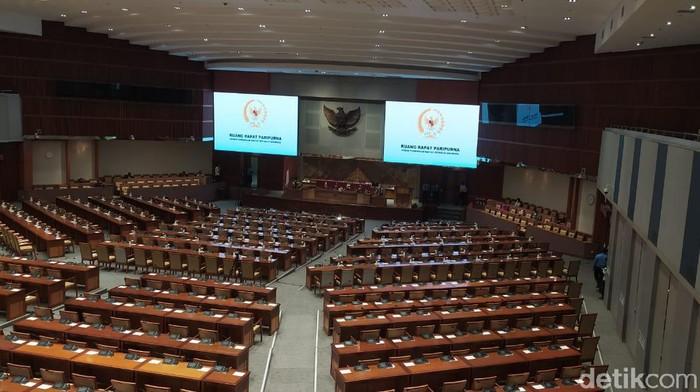 Ruang rapat paripurna jelang pengesahan Omnibus Law RUU Cipta Kerja (Rahel Narda Chaterine/detikcom).