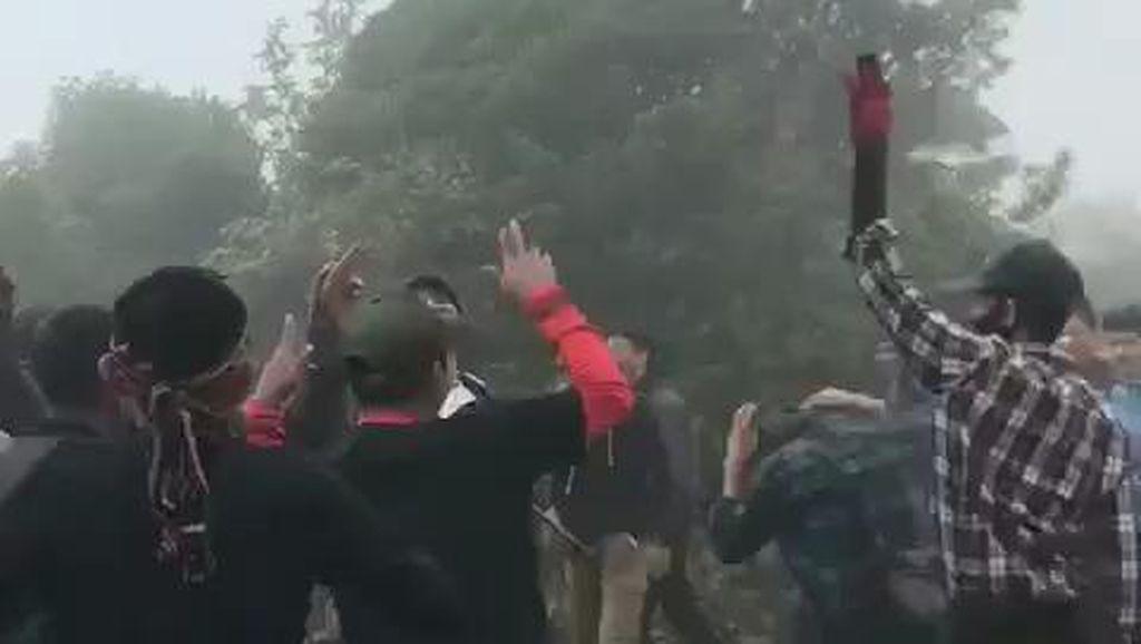 Viral Video Pendaki Dugem di Puncak Gunung Dempo Sumsel