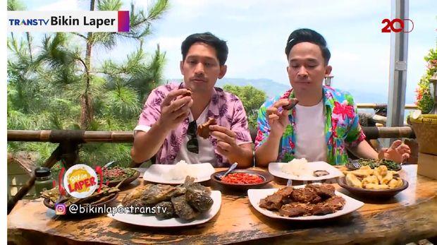 Bikin Laper! Lahap Makan Empal Super Empuk Pakai Rujak Kangkung  Jawa