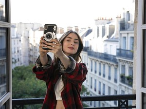 Emily in Paris Musim Kedua Resmi Akan Tayang, Ini Kata Lily Collins