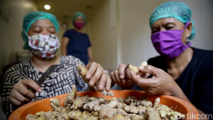 BWProduction yang berlokasi di Bugel, Kota Tangerang, Banten, memproduksi olahan berbahan dasar jahe. Penasaran?