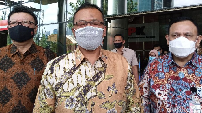 Menpan-RB Tjahjo Kumolo dan Kepala LAN Adi Suryanto menyambangi Gedung KPK, teken MoU Pemberantasan Korupsi