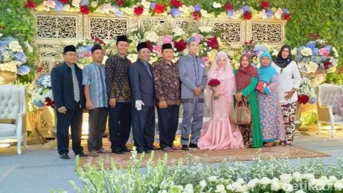 Pernikahan Putri Kepala Kemenag Jombang Diwarnai Kerumunan Tamu Undangan di tengah pandemi