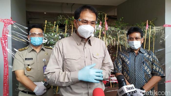 Pimpinan DPR Azis Syamsuddin dan Wagub DKI Jakarta Ahmad Riza Patria (Luqman Nurhadi Arunanta/detikcom).
