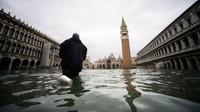 Venesia selalu dilanda banjir setiap tahunnya. Biasanya terjadi pada antara bulan Oktober dan Maret.