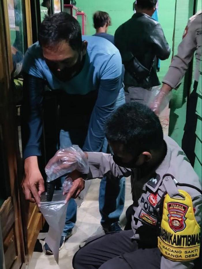 Polisi menyita pisau yang dipakai pria di Musi Banyuasin untuk menikam istri karena cemburu (dok Istimewa)