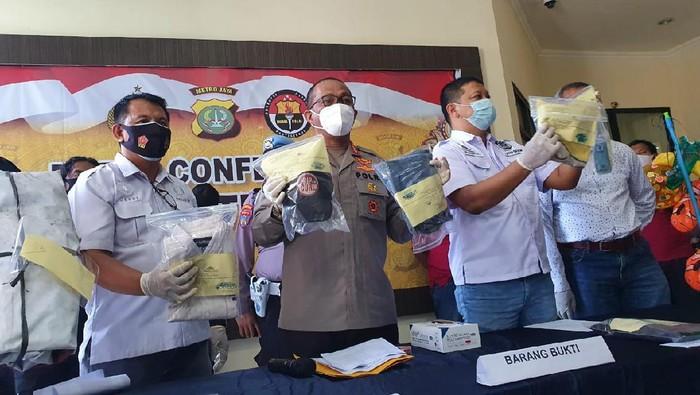 Polisi tangkap perampok pemulung di Bekasi