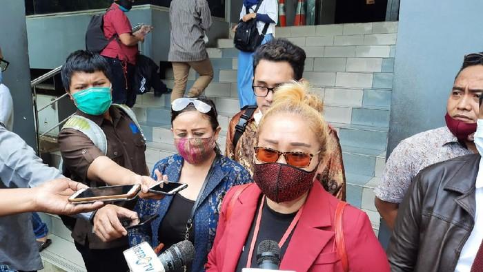 Relawan Jokowi Bersatu laporkan Najwa Shihab soal bangku koenkes Terawansong M