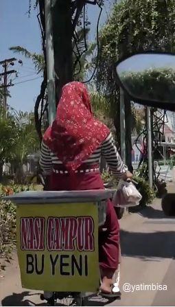 Kisah Sovi, Remaja 13 Tahun yang Jualan Nasi Bungkus untuk Bantu Ibunya