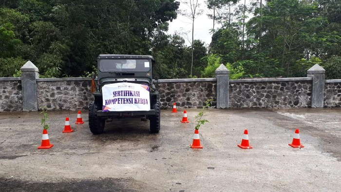 Sertifikasi jip gunung Merapi Yogyakarta