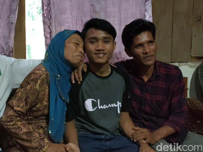 Ervan Wahyu Anjasworo (16) remaja asal Sragen, Jateng, kembali bertemu keluarganya usai hilang selama 11 tahun. Ervan hilang saat liburan di Jakarta tahun 2009 lalu.