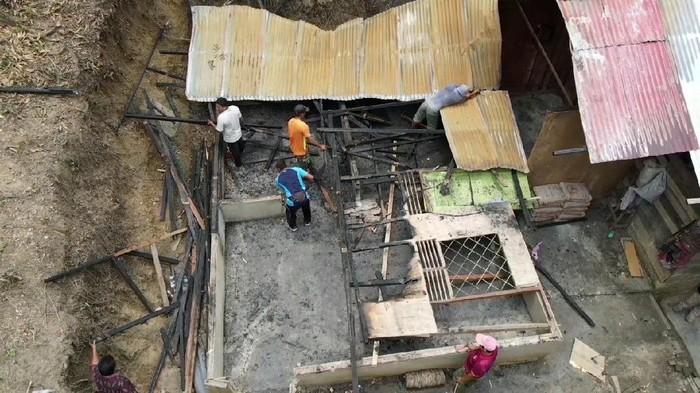 Bantuan pembangunana rumah dari TNI