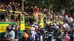 Duduki Bus-Bakar Ban, Mahasiswa Tangerang Tolak UU Ciptaker