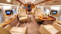 Interior pesawat jetnya sendiri mewah sekali. Pesawat jet tersebut bisa diisi hingga 16 orang penumpang. Kursi-kursi di pesawat jet Messi bisa dilipat dan dijadikan 8 tempat tidur. (dok. Istimewa)