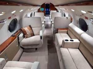 Pura-pura Liburan, Sejumlah Influencer Ketahuan Berfoto di Jet Pribadi Palsu