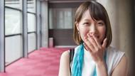 Perempuan Jepang Menutup Mulut Saat Tertawa, Kenapa Ya?