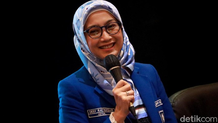 Artis Desy Ratnasari resmi menjadi Ketua Dewan Perwakilan Wilayah Partai Amanat Nasional (DPW PAN) Jawa Barat. Dia terpilih untuk menggantikan Ahmad Najib.