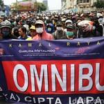 Jakarta Ada Demo Buruh Lagi, Catat 5 Cara Aman Mengemudi saat Ada Unjuk Rasa