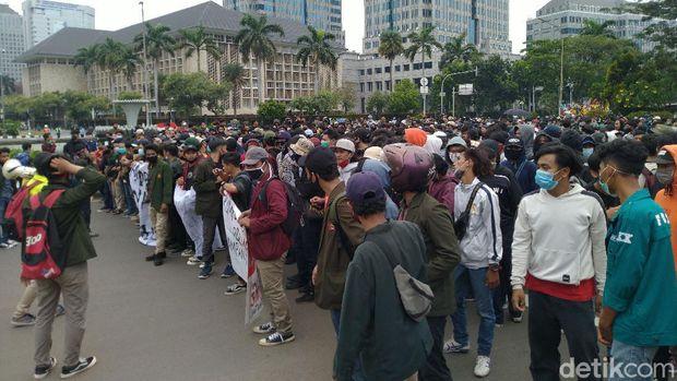 Demo Mahasiswa di Patung Kuda, Jakpus