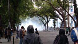 Polisi Tangkap Otak Perusakan Mobil Pemprov Saat Demo Ricuh di Medan