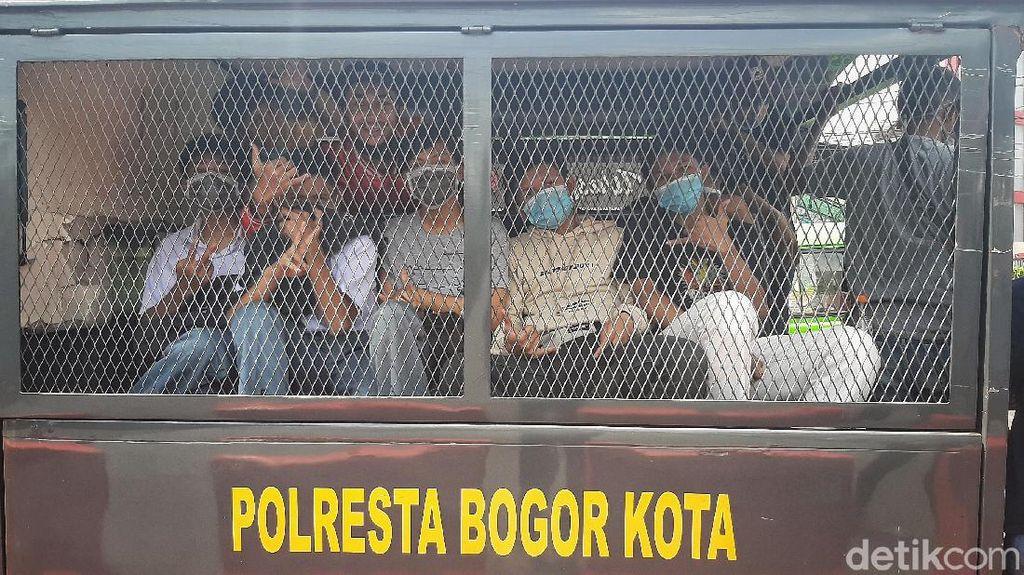 Foto Puluhan Pelajar di Bogor Diamankan Saat Hendak Demo ke Jakarta